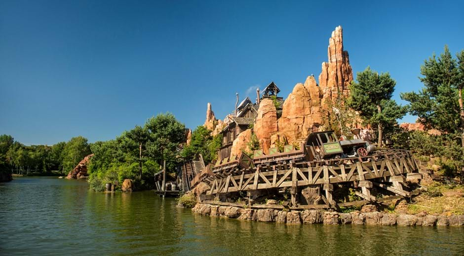 10 Educational Reasons to Visit Disneyland® Paris